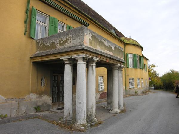Schloss_Gainfarn_resized_DSCN2110
