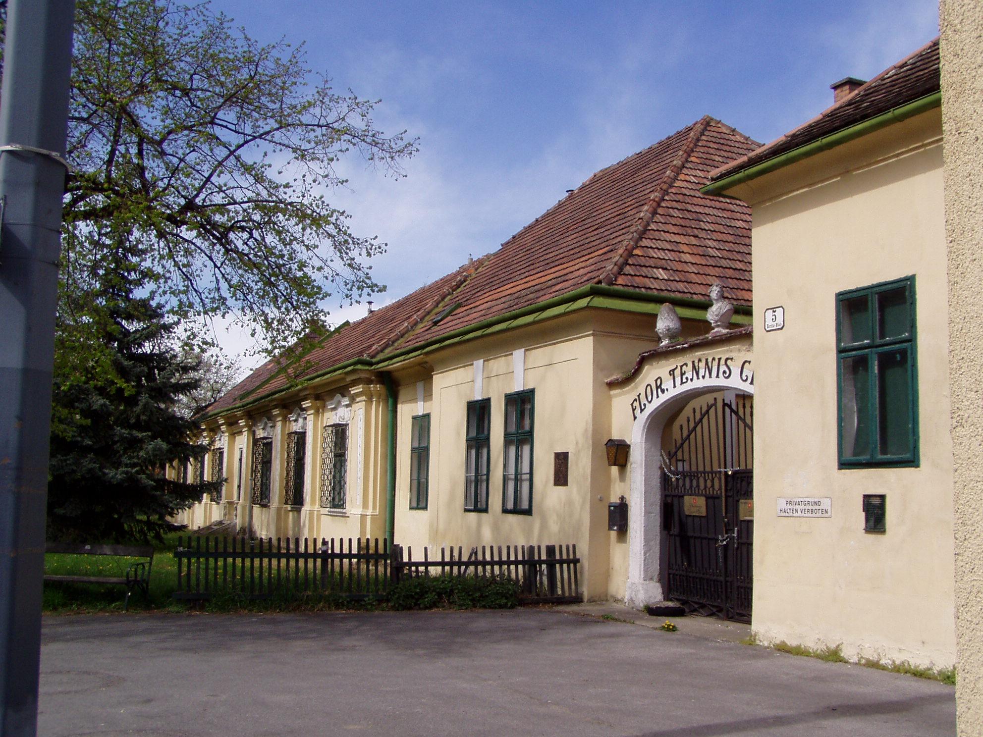 1210_Lorettoplatz_5_Schloessl-Vorderansicht-2008