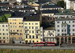 Stadt Salzburg, Altstadthäuser an Salzach