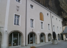 Schüttkasten beim Herbert-von-Karajan-Platz in Salzburg