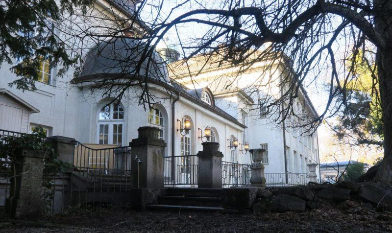 Mozarteum Salzburg, Gartenseite