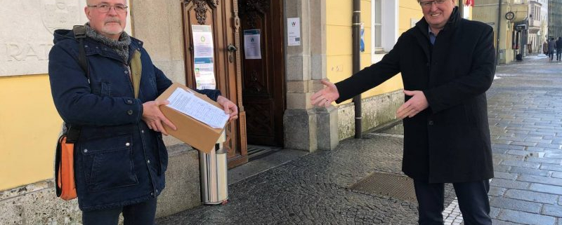 Übergabe Unterschriftenlisten, iD-Wels