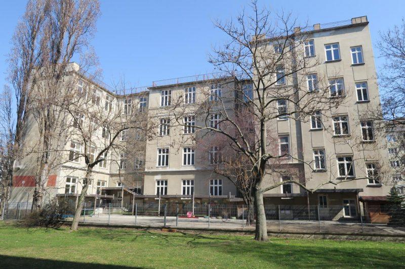 Volkschule Leystraße 34, Hintertrakt, 1200 Wien