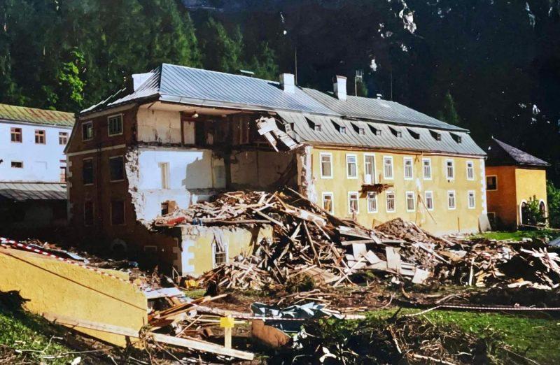 Das Herrenhaus im Halltal 1999, Tirol